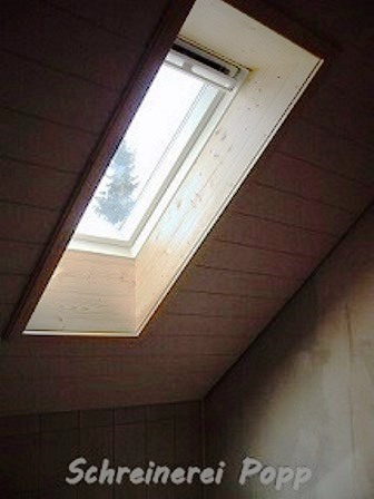 Holz-Verkleidung Badfenster