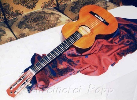 Musikinstrumente - historische Gitarre restauriert