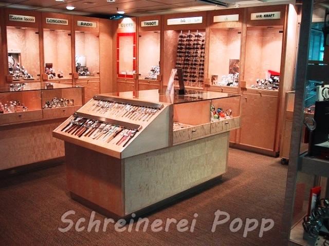 Ladeneinrichtung - Vitrine Eisbirke 4