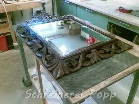 Restaurierter Spiegelrahmen