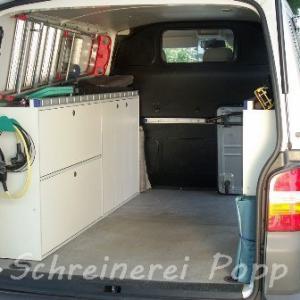 Transporter Ausbau mit Auto Möbel auf Maß in Holz gefertigt